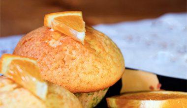 Bánh bông lan vị cam
